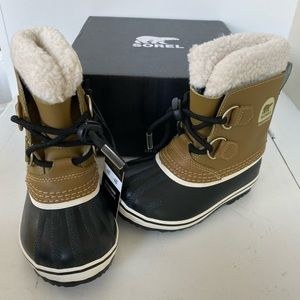 Sorel boys girls Yoot Pac snow boots size 9 new